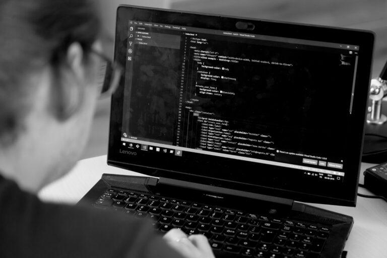 Ydelser og kompetencer spænder fra udvikling, drift, rådgivning og vedligehold til support på systemer, infrastruktur og software.